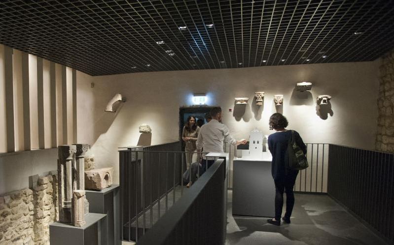 Architektur des Saalhofs Stauferzeit Ausstellung (c) HMF Petra Welzel