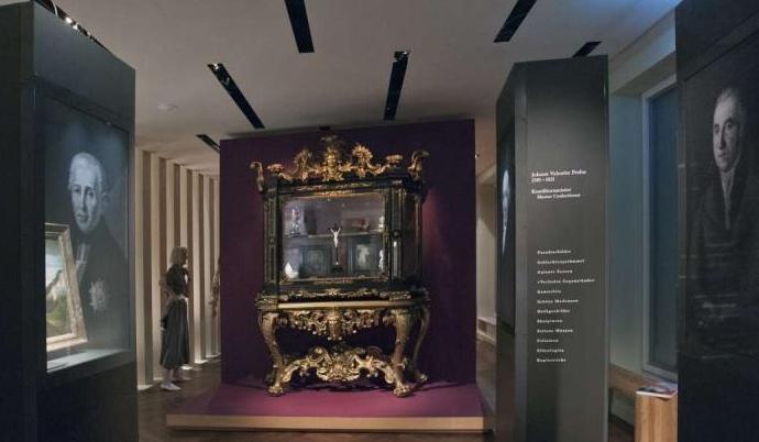 Ein Foto zeigt die Ausstellung Barckhaus/Glock im Sammlermuseum