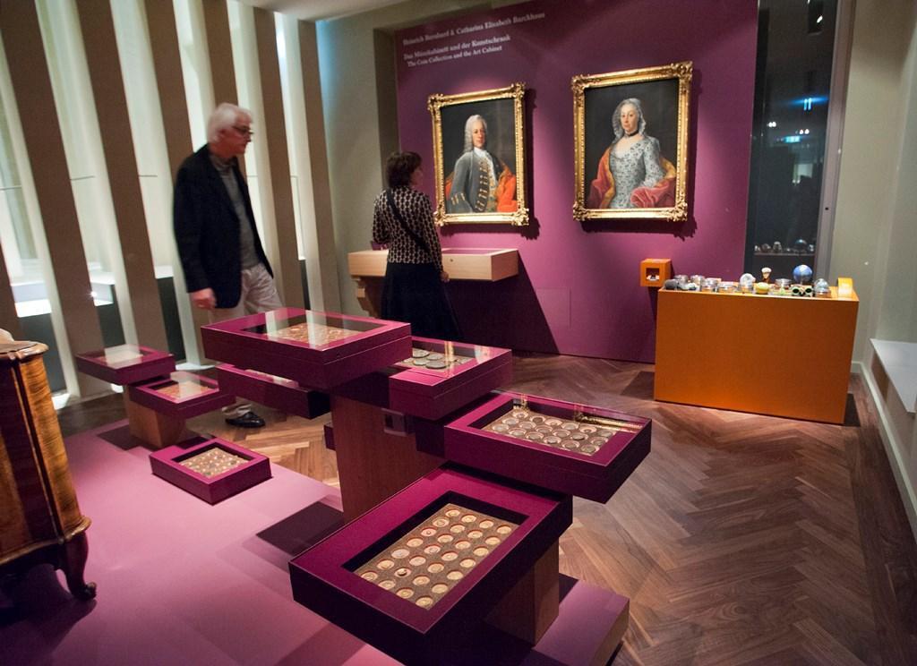 Münzen in der Ausstellung Sammler und Stifter (c) HMF Petra Welzel